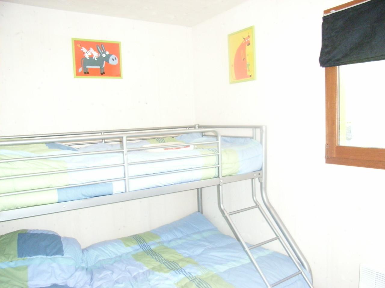 Chambre enfants lits superposés 140 en bas + 90 en haut