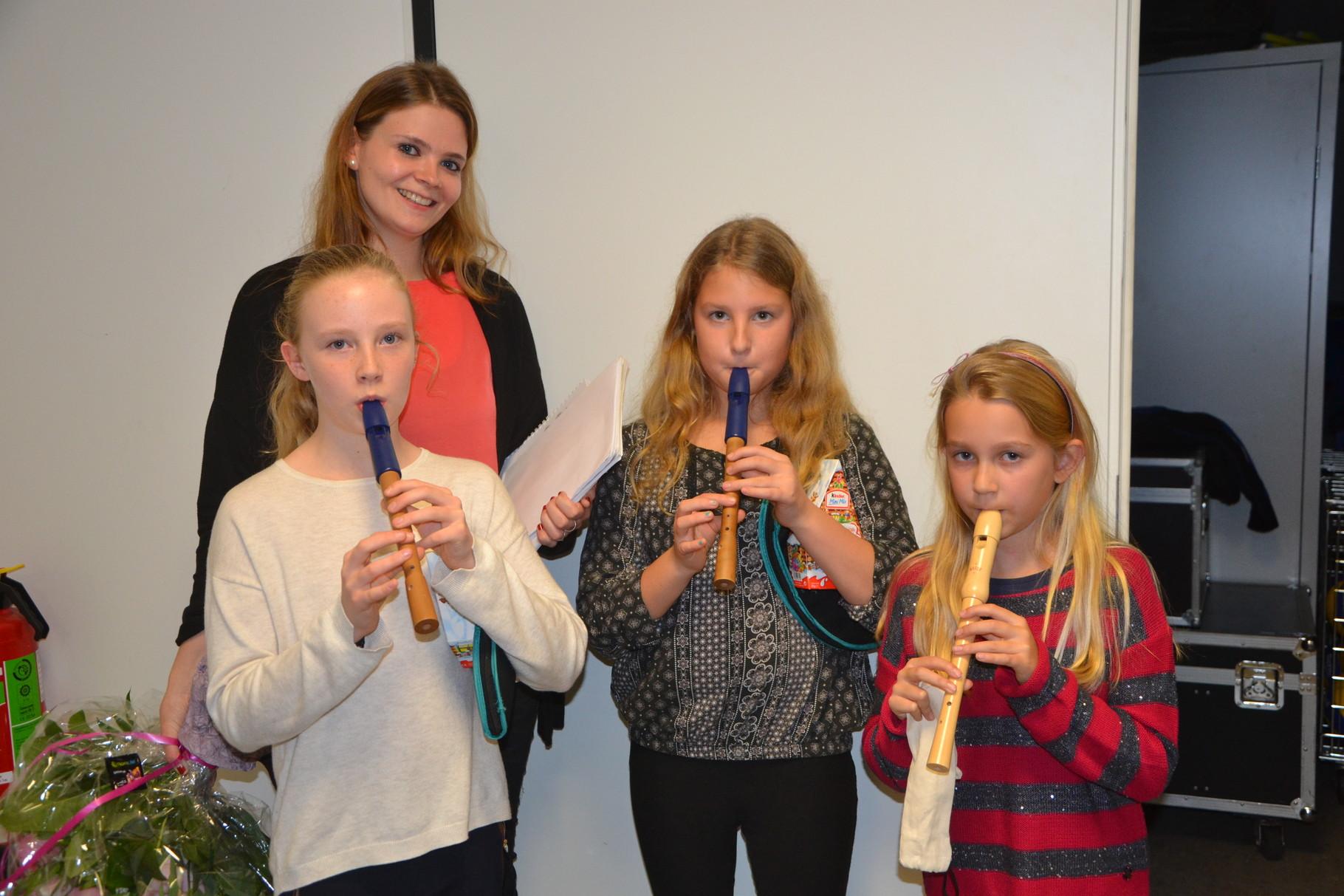 Die Flötengruppe hinter den Kulissen