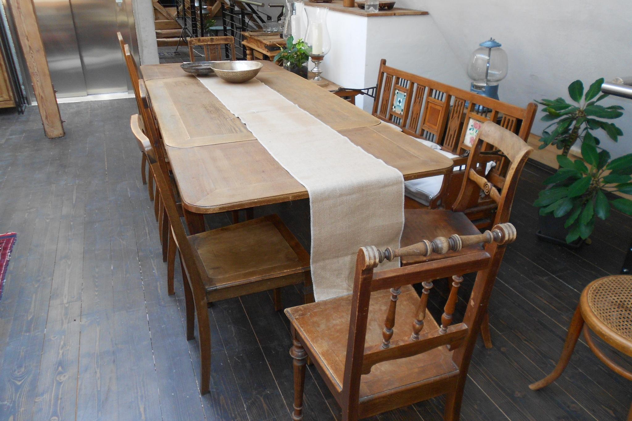 Tisch 094022 . 1 Stk. / Stühle 094052