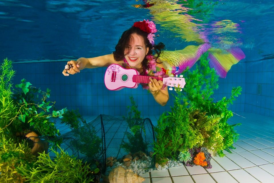 Katy Sedna Mira = under water music = @ Abenteuer Nixe Mel, Foto: Stefan Haschke @ aqua-moments.eu