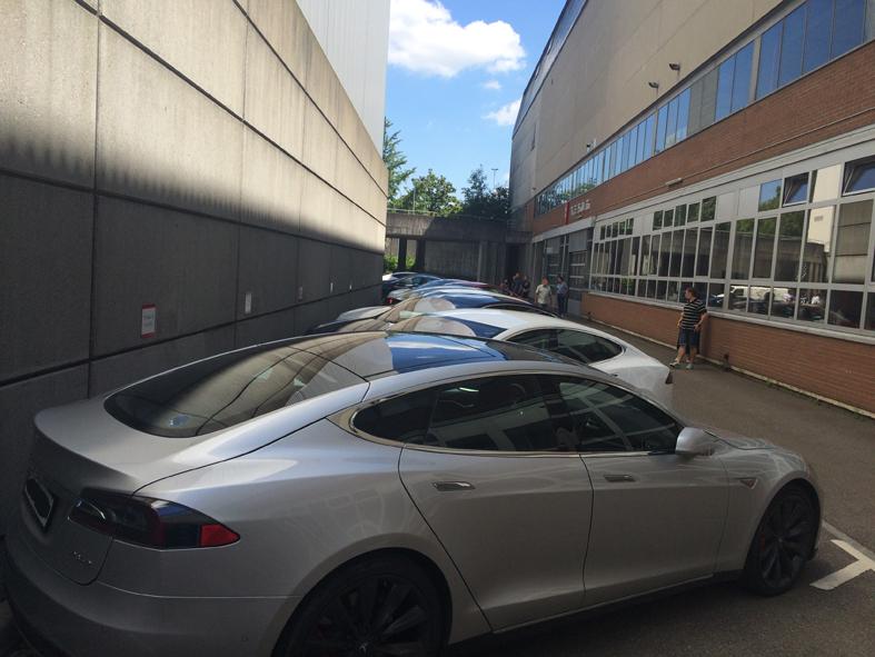 Bern-Galgenfeld 09.07.2016 (Tesla Servicecenter/Store)