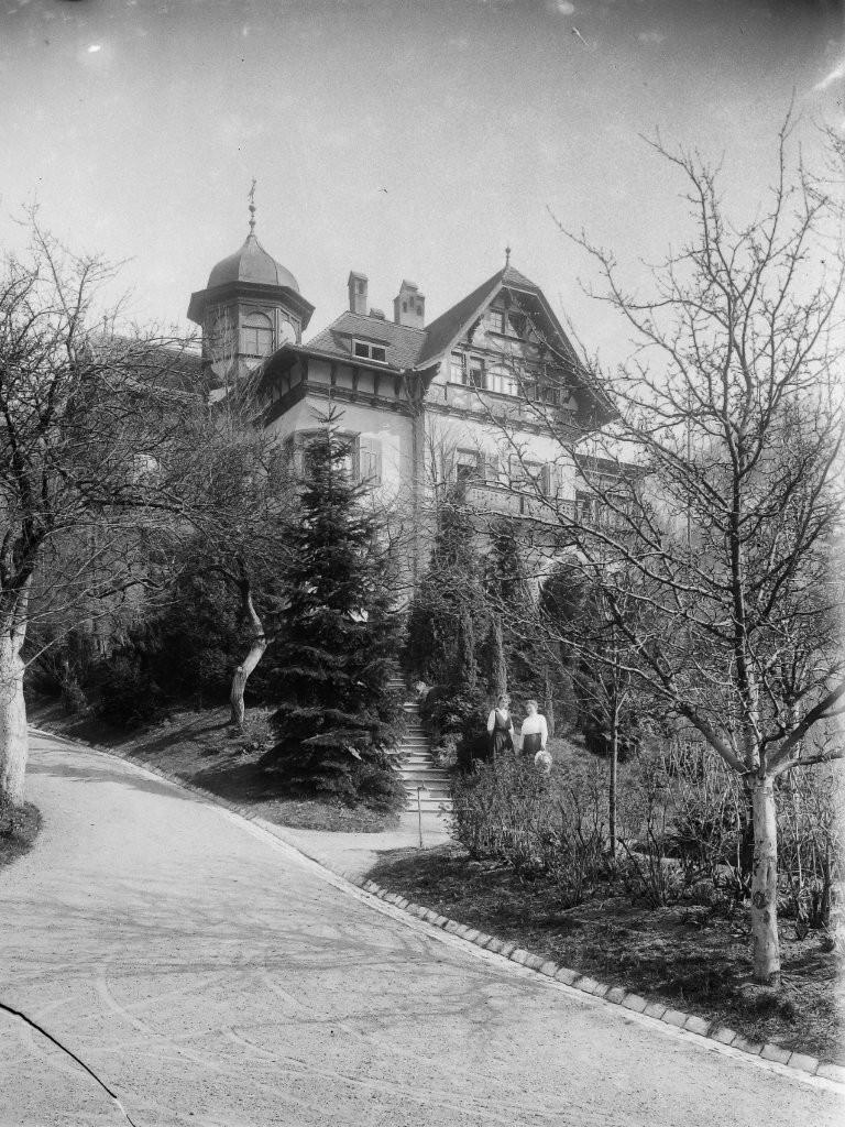 1915 Else und Babette