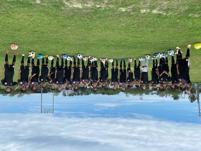 浜松フットボールアカデミーは地元の協賛のもと、低料金での入会が可能です