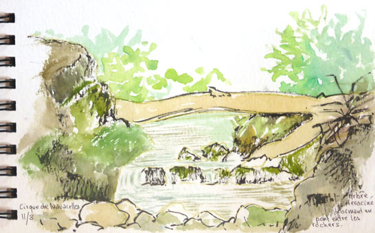 pont naturel sur la rivière du cirque de Navacelle