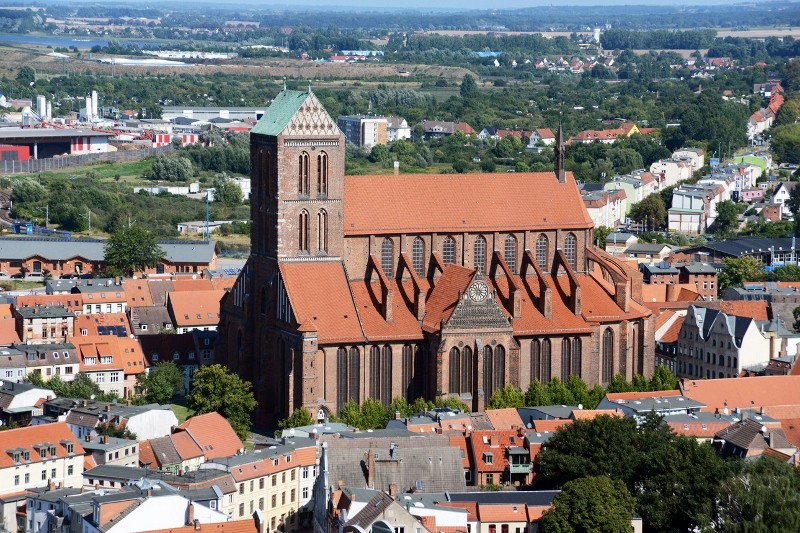 St. Nikolai, die zweitgrößte Backsteinbasilika der Welt.