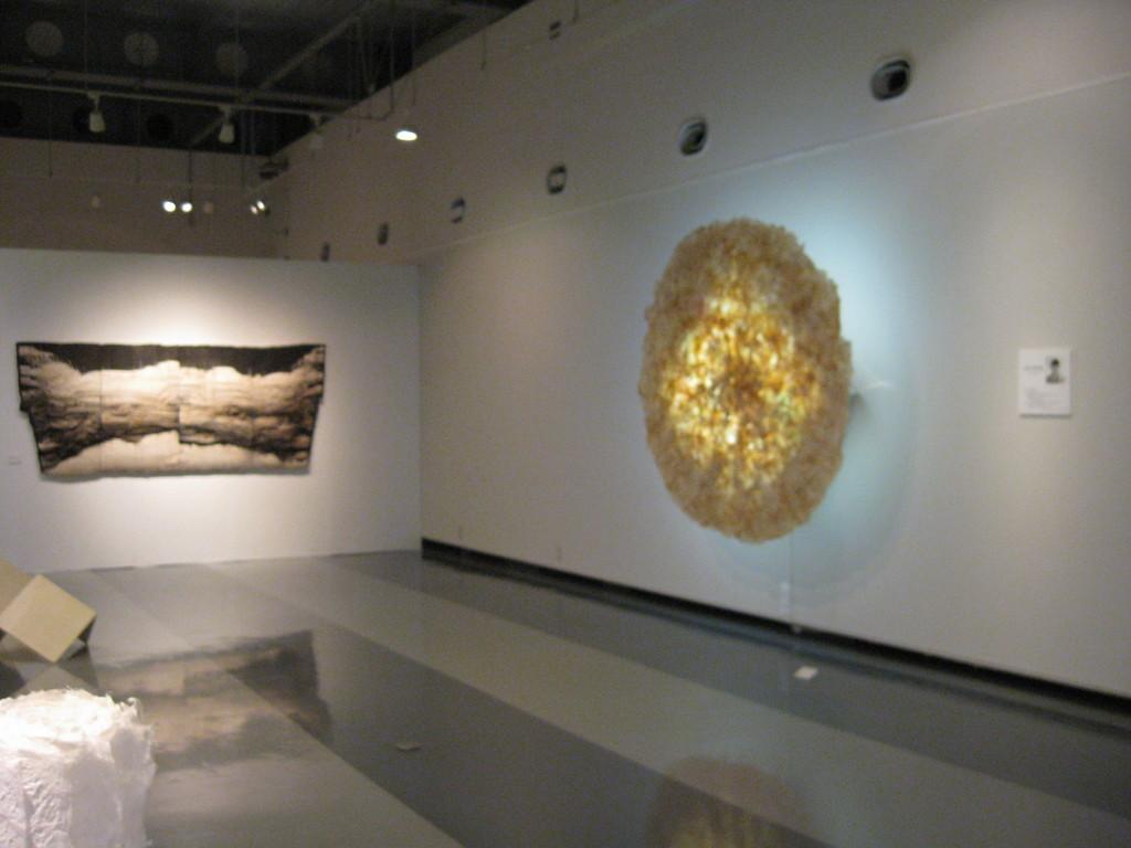 「地からの散華」展示風景