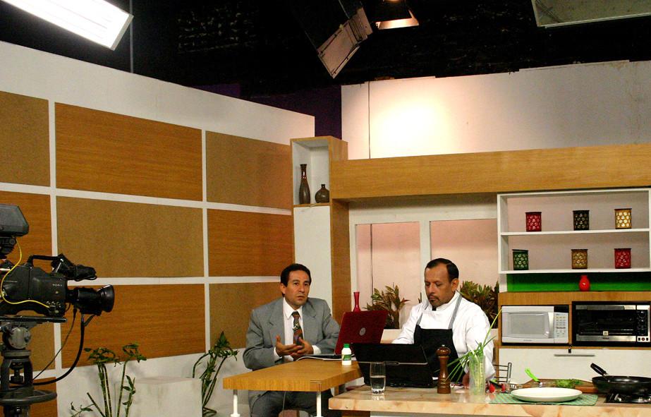En el Canal 2, Programa Sabores y algo más con Julio Fernández