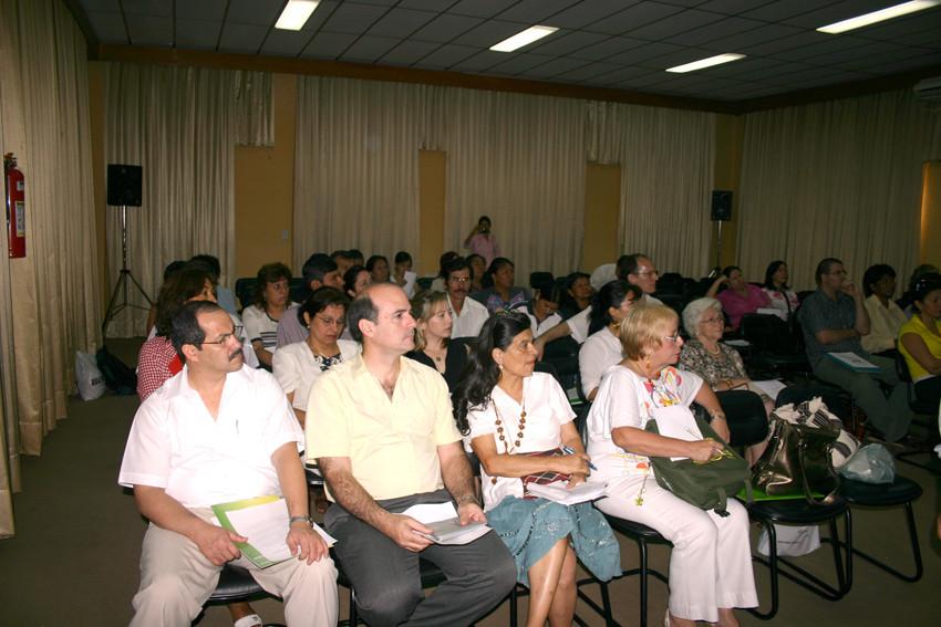 Participantes del Gran Encuentro Intercultural realizado en el Instituto Nacional de Salud del Ministerio