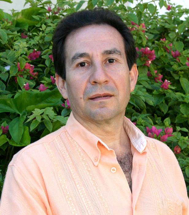 Dr. Hernán Candia Román, Director General Centro Naturista Salud & Belleza. Periodista y Médico. Director para Sudamerica de PRENSA LATINA, www.prensalatinalasvegas.com