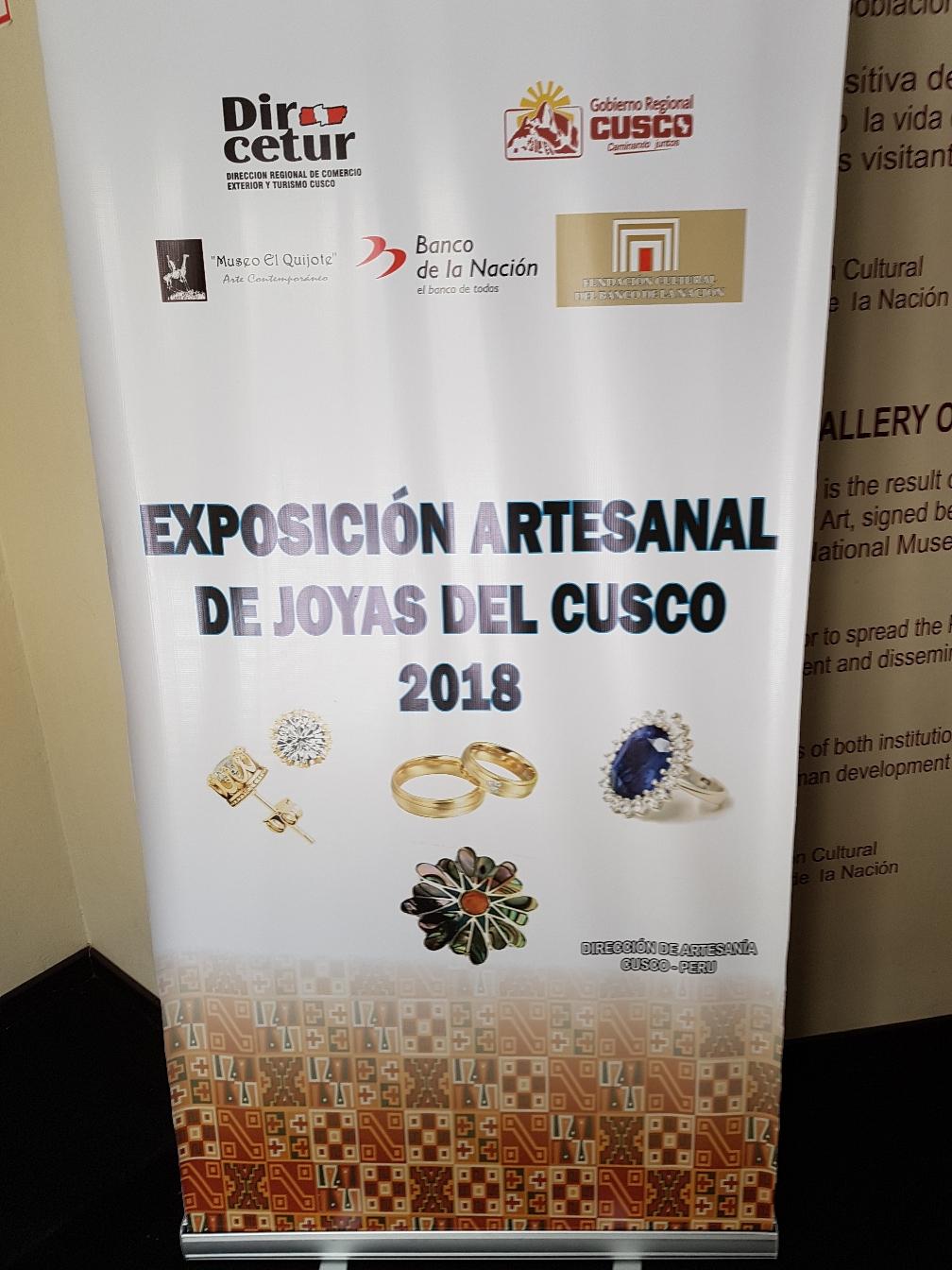 Eine Ausstellung über handgefertigen Schmuck aus Cusco