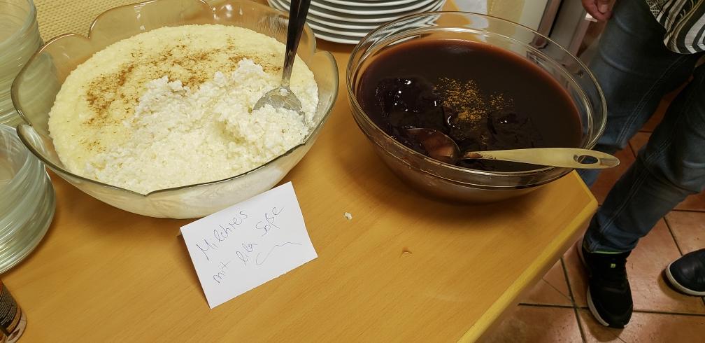 Milchreis und lila Mais Nachtisch