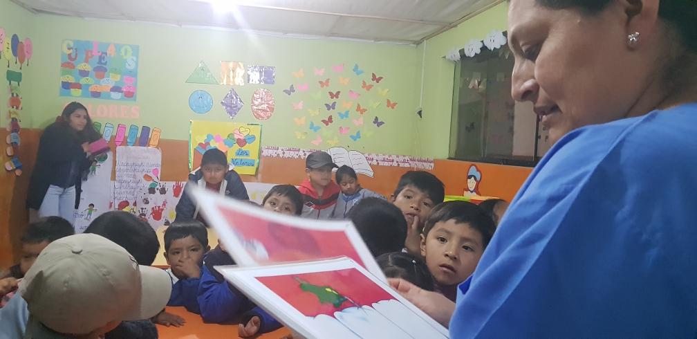 Im Kindergarten: Den Kindern wird korrekte Mundhygiene beigebracht