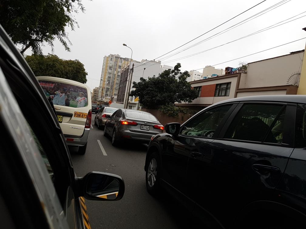 Der Verkehr in der Millionenstadt ist furchtbar, 1 Stunde Fahrtzeit für 10km sind keine Seltenheit.