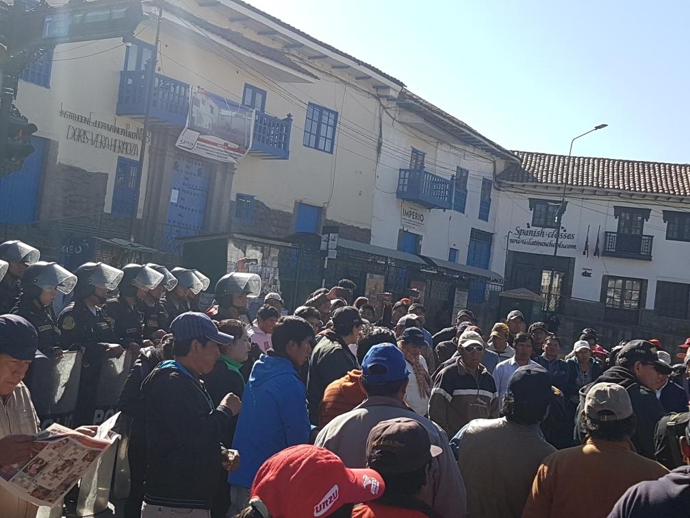 Die ersten Demonstranten formieren sich, aber es blieb ruhig.