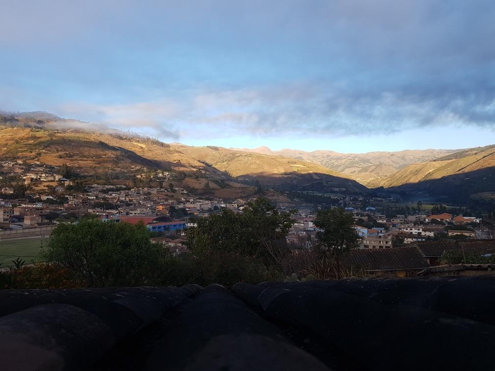"""Aussicht von unserer """"Casita"""" auf Curahuasi"""