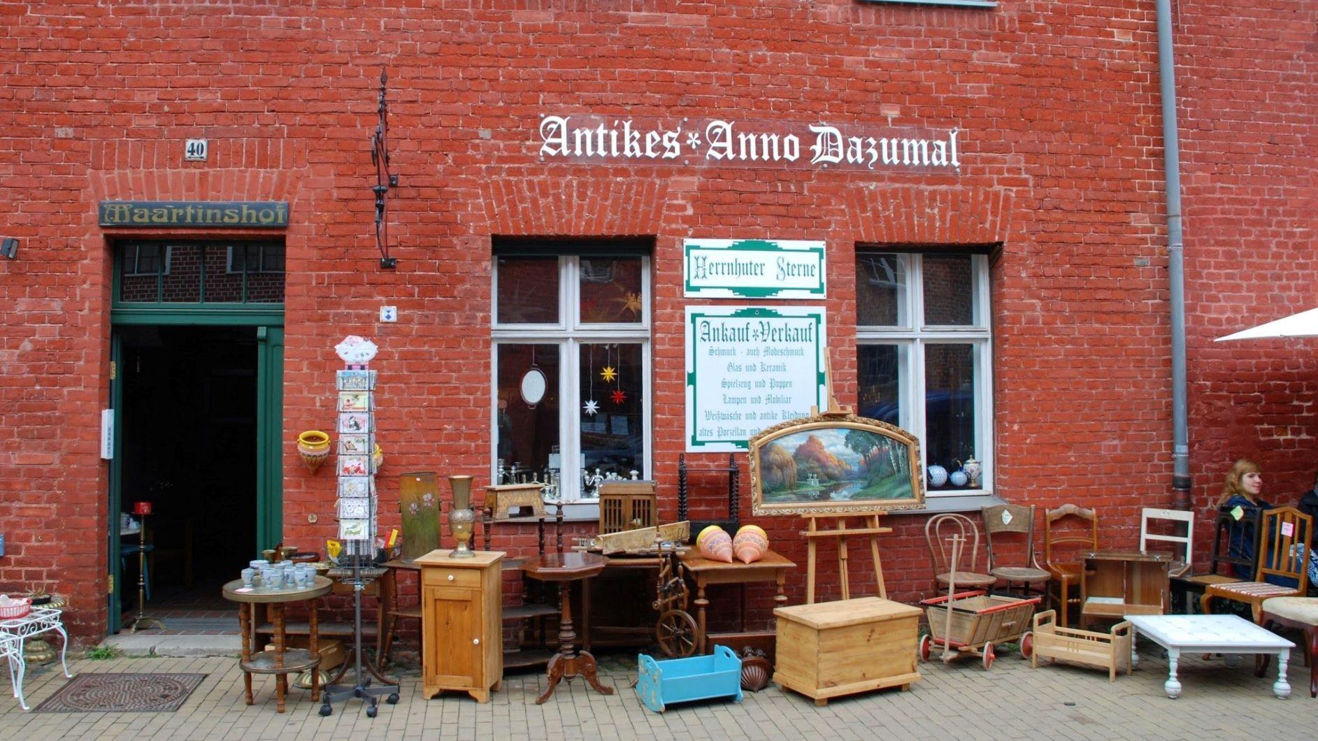 Achtung vor dem Alter trotz Gebrauchsspuren // Antiquitätengeschäft in Potsdam
