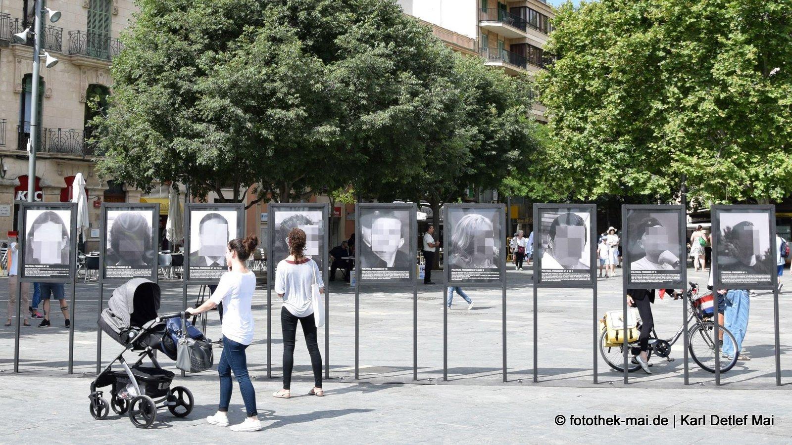Unkenntlich und doch bekannt // Viele Spanier interessierten sich für die Ausstellung in Barcelona (ES)