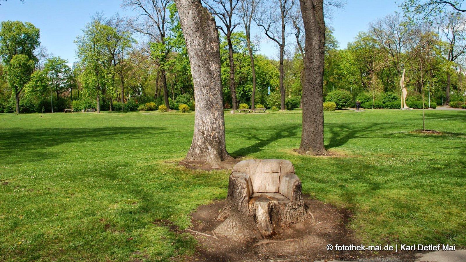 Praktische Parkmöblierung // Königlicher Garten, Prag (CZ)