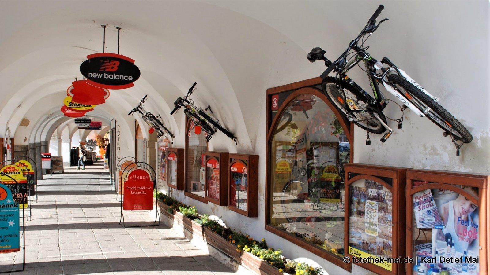 Parkempfehlungen für Fahrräder // Sehenswerte Stadt Litomysl mit Schloss (Weltkulturerbe), Ostböhmen (CZ )
