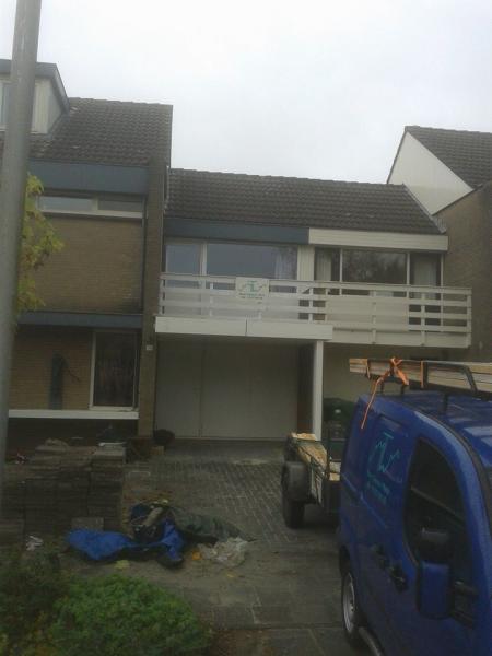 Carport en nieuw balkon