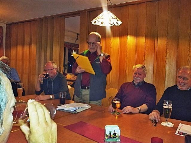 """Dieter bei der Vorstellung des Buches. Eingerahmt von den """"Neuen"""" Wolfgang und Dieter."""