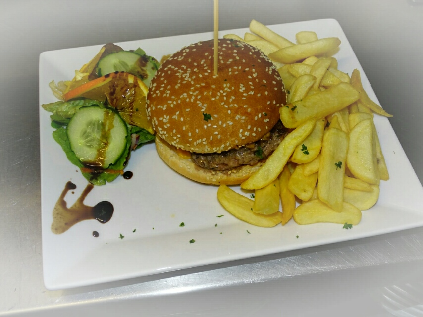 Hamburger/Cheese burger/Breizh burger avec de l'andouille