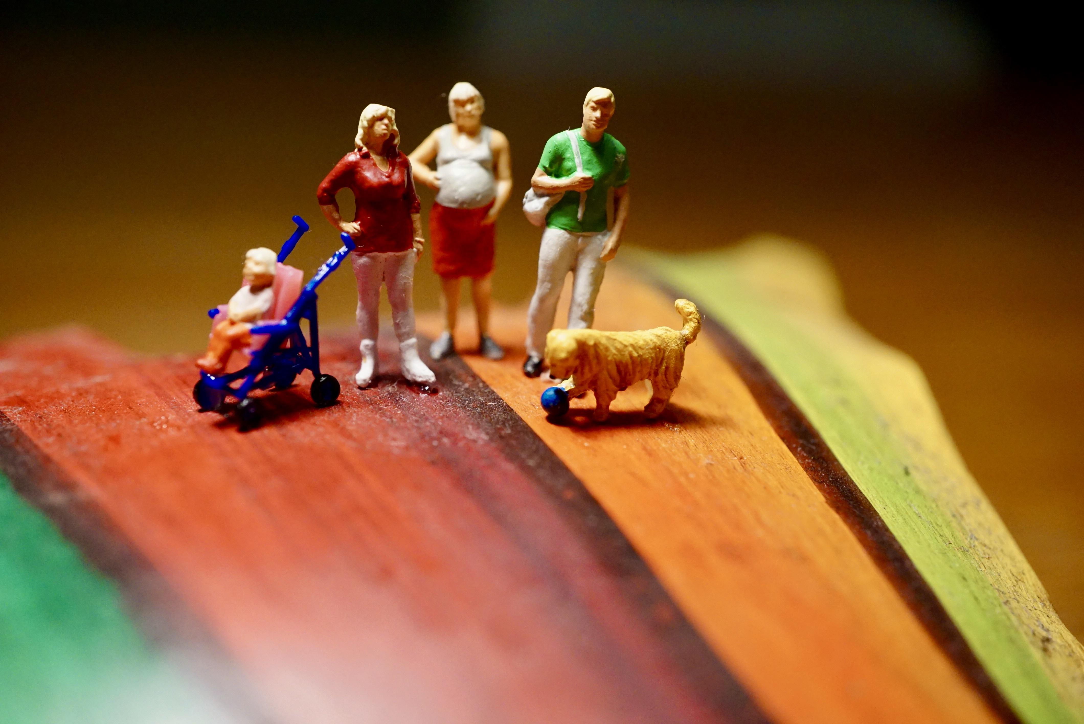 (c)miniaturfamilie; regenbogenfamilienköln