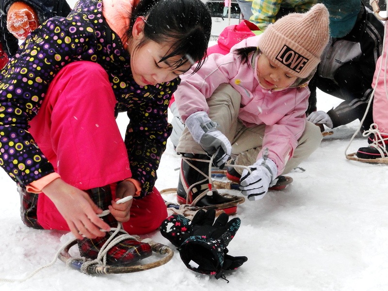 雪国山形ならでは!子供と楽しむ冬の遊び③かんじきトレッキング