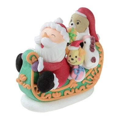 babbo Natale su slitta con orsetto Dimensione: L7/8xH6xP4 CM