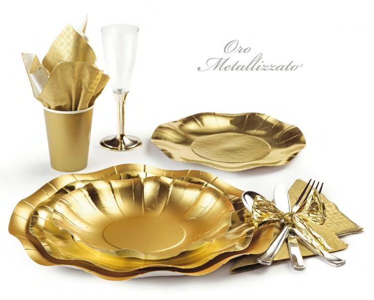 piatti in cartoncino oro