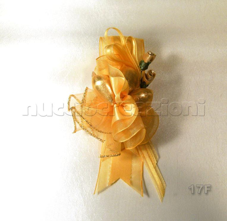 N°17F CREAZIONE          VIP ORO  creazione con nastro vip oro, 3 confetti oro, 2 boccioli oro, nastrino oro vip             €3,20