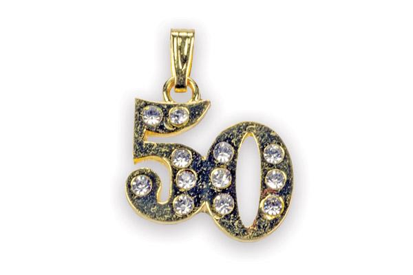 Ciondolo in metallo con strass 50° anniversario misure 2cm x 1,5 circa a € 1,00