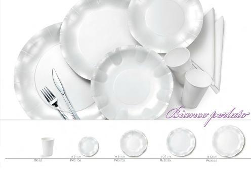 piatti in cartoncino bianco