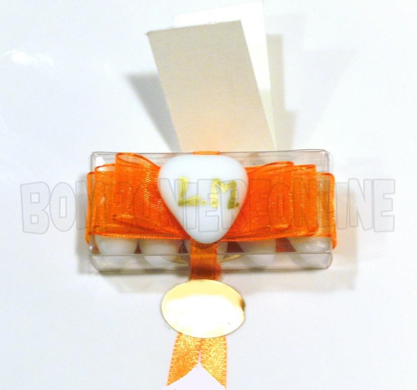 scatolina rettangolare in acetato trasparente  con cuoricino e iniziali 6 x 2,5 h.2  N°38