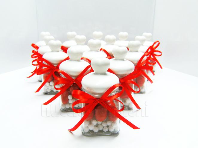 Barattolo in vetro con tappo ermetico in ceramica bianca, capacità 120 ml < cm.5,5x5,5 h9