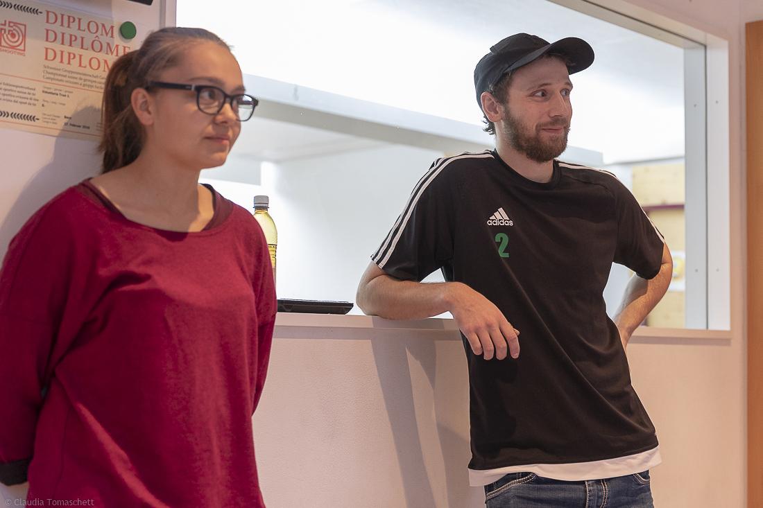 zwei unserer drei Helfer: Gianna Tomaschett und Nicolas Tomaschett