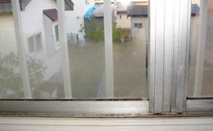 窓ガラス結露の抑制