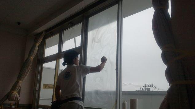 教室ガラス汚れ油膜除去