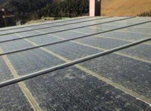 ソーラーパネル帯電汚れ