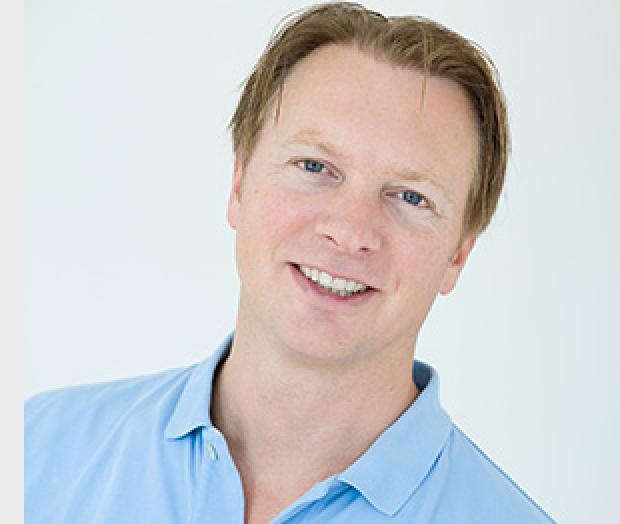 Implantoloog Albert Roks