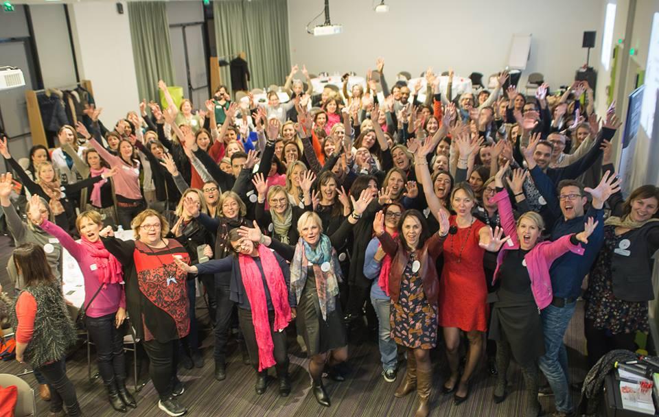 les membres de l'UFDI au salon Maison & Objet de Janvier 2017 pour leur réunion nationale : Isabelle Vionnet est au premier plan, à gauche, en rose.
