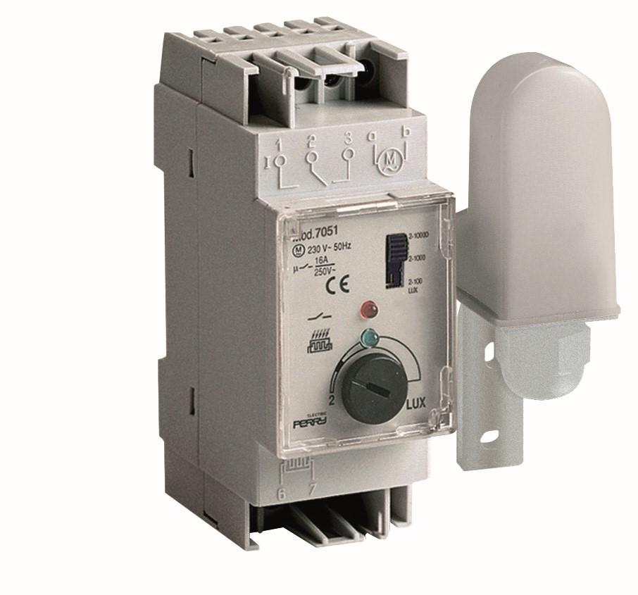Dämmerungsschalter - 1IC 7051