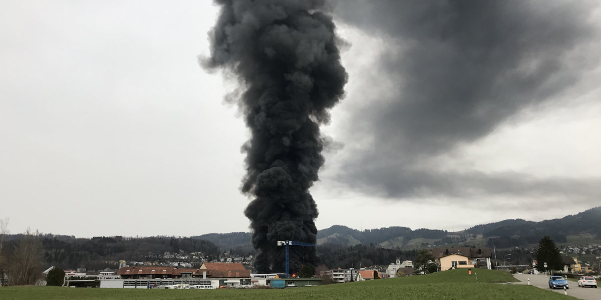 Grossbrand in Hinwil