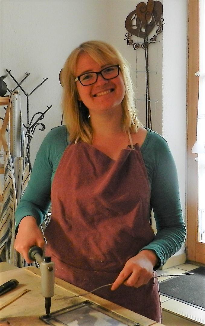 Die Glasfüchsin: Künstlerin und Shop-Inhaberin Ulrike Bloch bei der Arbeit