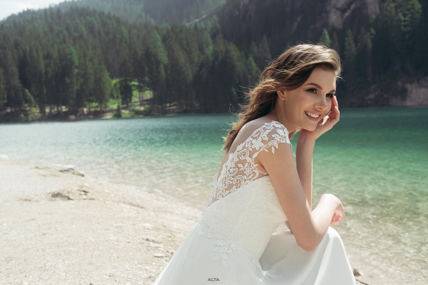 Brautkleid mit Träger leicht vintage Spitze bohemian Wedding
