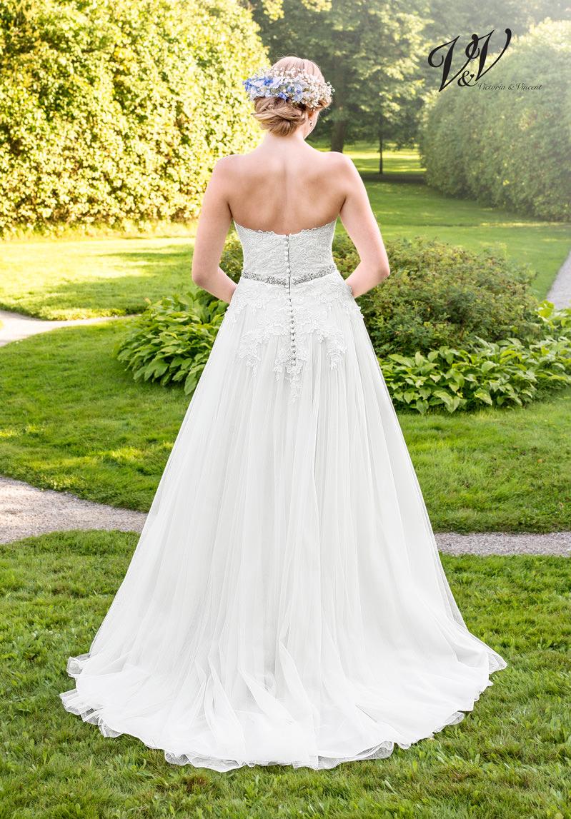 Brautkleid München Spitze Herzausschnitt Google Brautmoden Hochzeit Vintage Boho Alinie Schleier Reifrock Facebook Knopfleiste
