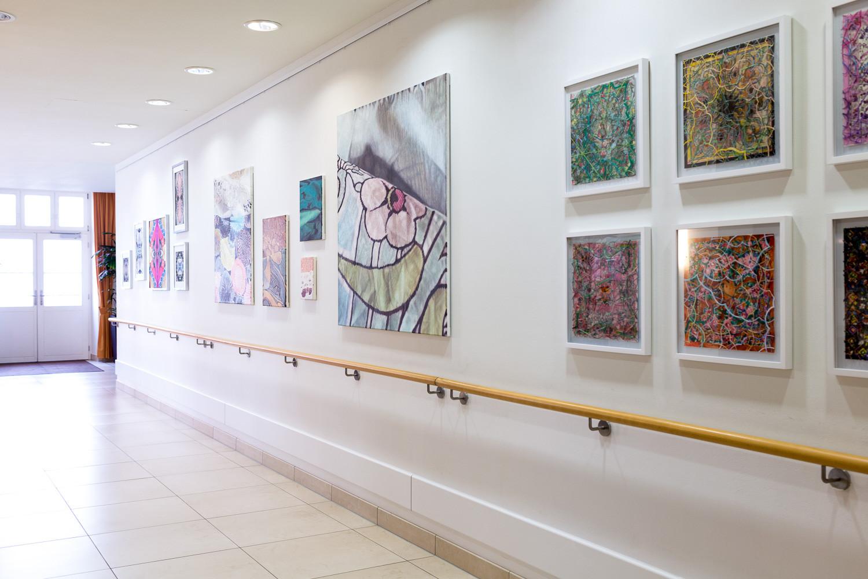 Foto: Jonas Gehrling - Kunstwerke: Ergül Cengiz, Suse Güllert und Nicola Hanke