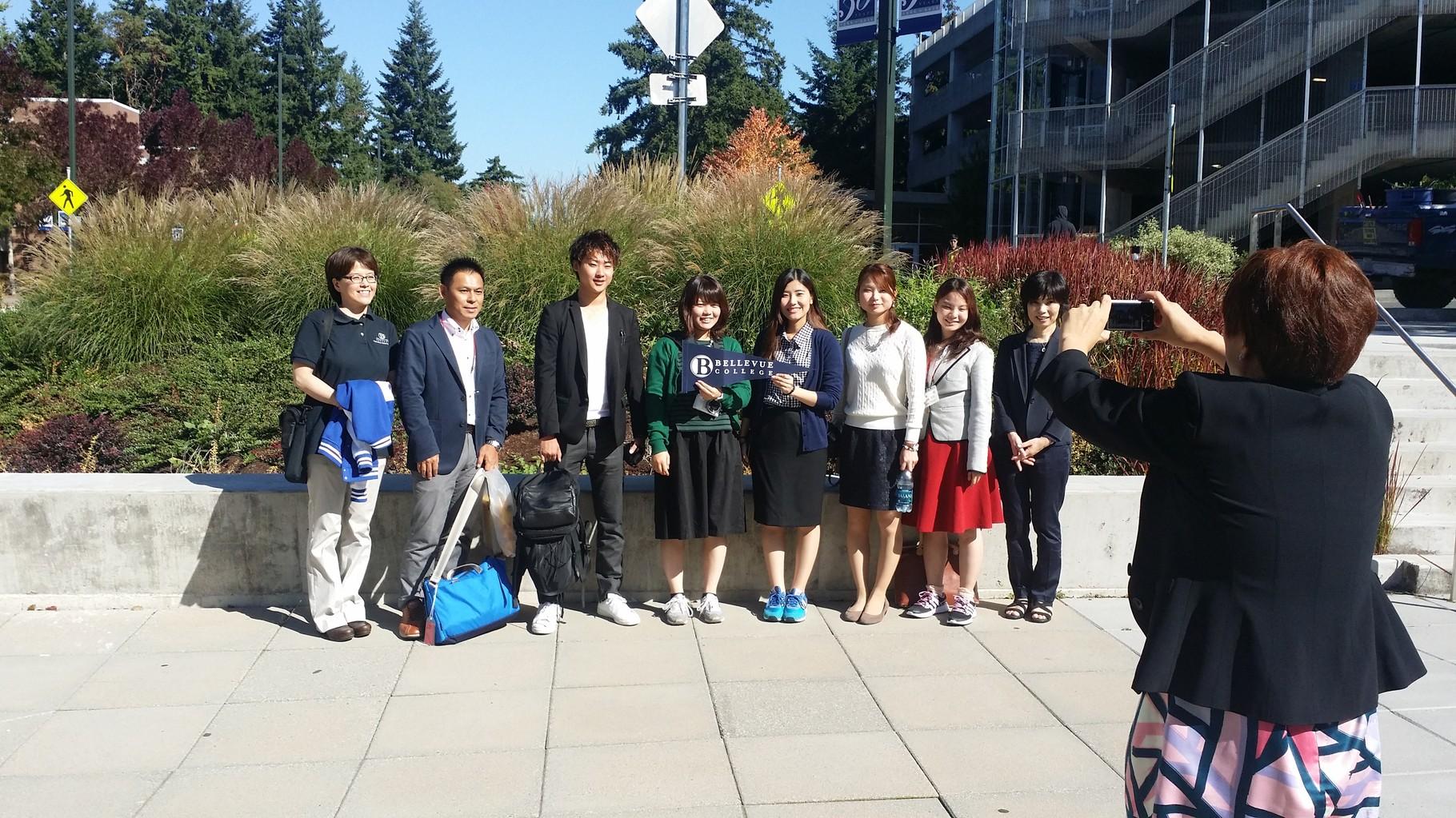 9月11日 ベルビューカレッジ訪問。 玉井会長提供