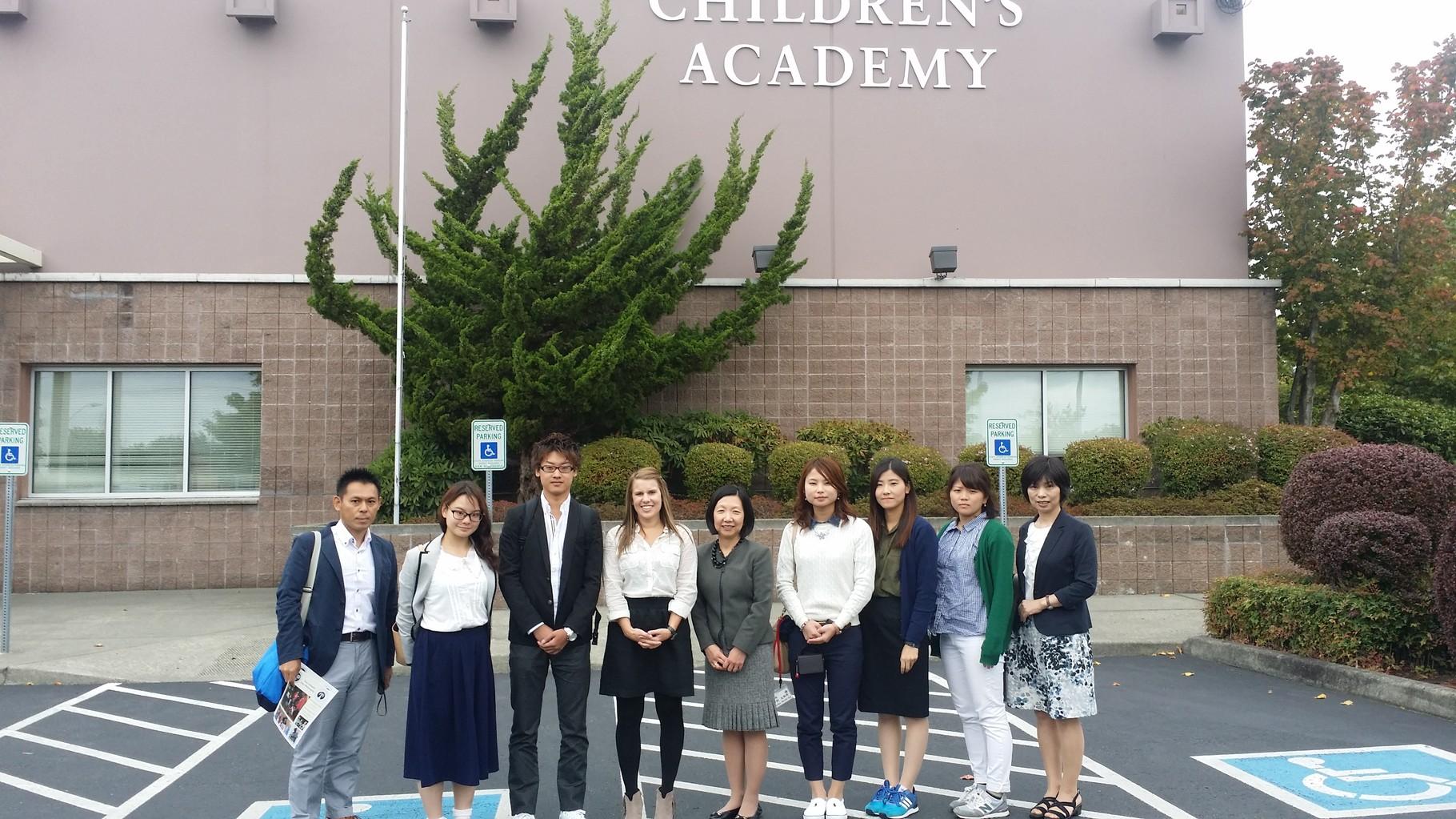 9月14日 Bellevue Childrens Academy訪問。清水理事長と。玉井会長提供