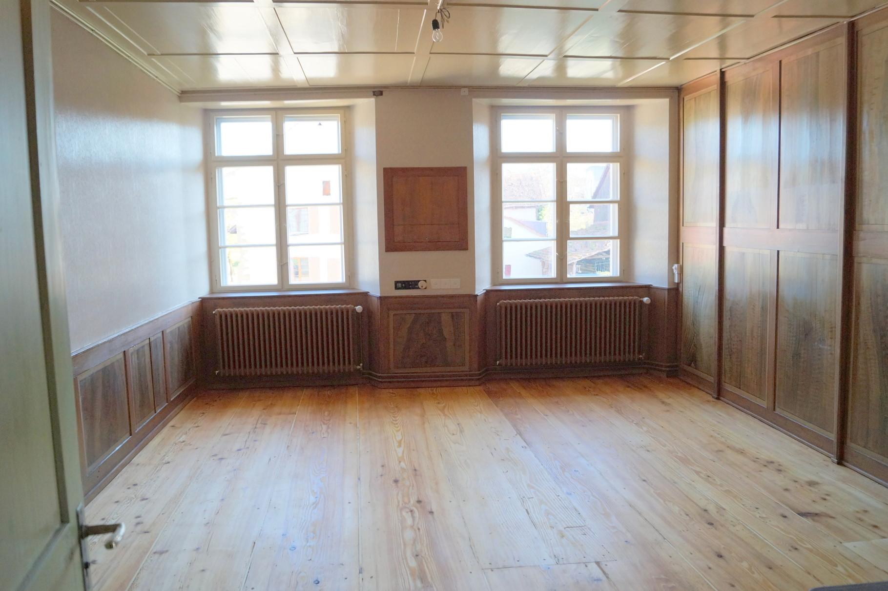 Die Aussenfenster aller Räume sind neu, die Innenfenster sind die alten